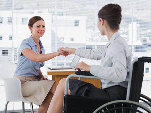 incapacidad-laboral-en-un-contrato-de-servicios